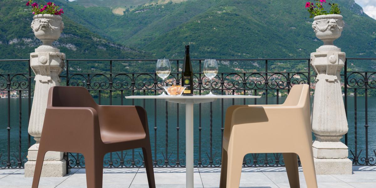 Terrazza con stupenda vista al bar dell'Hotel Helvetia
