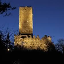 Durante la Guerra decennale (1118-1127) tra Como e Milano i Comaschi salivano al colle per trovarvi rifugio.