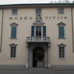 Il museo conserva una ricca collezione di reperti del periodo del Ferro e del Bronzo, corredi funebri e materiali dell'epoca romana ed etrusca.